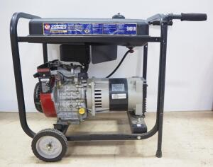 Briggs & Stratton Vanguard 9HP 5000 W Gas Powered Portable Generator Model 185432