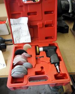 Pneumatic Dual Action Sander In Carrying Case