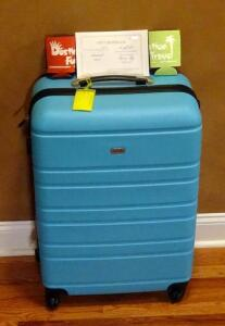 Auag Suitcase With $400 Herman Hill Inn And Suites Gift Certificate