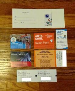$30 Gift Card To Crown Center, 4 Urban Air Passes, 4 Planetarium Passes, 4 Vip Science City Passes, 2 Kansas City Zoo Day Entry, 2 Art And Soul Passes