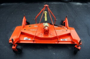 Befco Cyclone Pull Behind Rear Discharge Finish Mowing Blade, RD6, With PTO, Extra Blades And Instructions