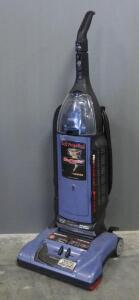 Hoover WindTunnel Upright Vacuum, Powers On
