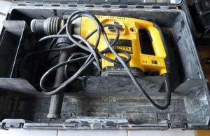 "DeWalt 1.5"" Rotary Electric Hammer, Model DW541, Includes Case"