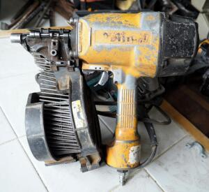 Bostitch Pneumatic Coil Nailer, Unknown Model #