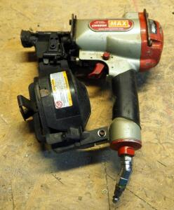 Super Roofer Pneumatic Coil Nailer, Model CN440r
