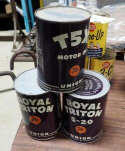 Vintage Union 76 Royal Triton Motor Oil Qty 2, 20W Qty 2, And T5X SAE 40, 1 Quart Sealed Cans