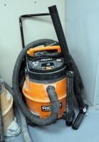 Ridgid 16 Gallon Shop Vacuum/Blower Includes Attachments