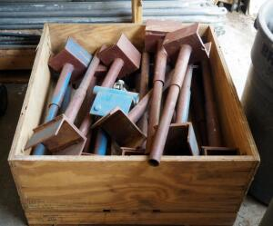 Heavy Duty Steel Scaffold Saddles, Qty 16 Contents Of Crate