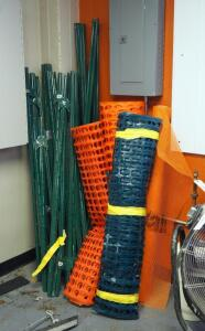 Safety Fencing, Qty 4 Bundles, 4ft Qty 4, And 6ft Stakes, Qty 25