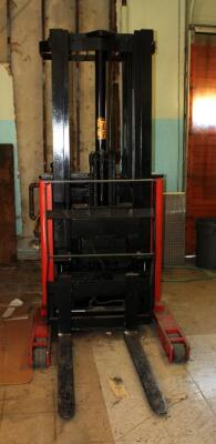 Prime Mover Electric Fork Lift Model RR30C, 2125 Hours, Internal Battery Needs Replaced, Click For Details Includes Exide Lead Acid Battery Charger, NPC12-3-850L, Hardwired In, Bidder Responsible For Proper Removal