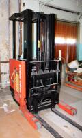 Prime Mover Electric Fork Lift Model RR30C, 2125 Hours, Internal Battery Needs Replaced, Click For Details Includes Exide Lead Acid Battery Charger, NPC12-3-850L, Hardwired In, Bidder Responsible For Proper Removal - 6