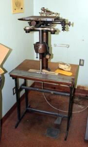 Antique Cronite Pantograph, Foot Powered, Zero Engraving Machine, On Metal Stand, 58in x 28in x 19.5in, Includes Tracing Points, Qty 1 Box