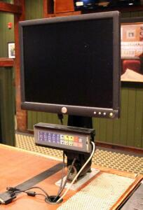 Dell 17in POS Monitor With Ergotron Stand And Punchpad