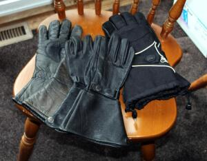 Mens Leather Riding Gloves Qty 2, Including Size Medium & Tour Master Polartec Thinsulate Insulated Gloves With Leather Palms, Size Small, Total Qty 3