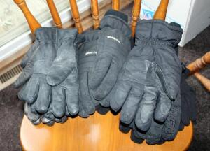 Mens Glove Assortment Including Leather Qty 3 Size XL & L, Winter Gloves Qty 3 Sizes M/L, L And More, Total 7 Pairs