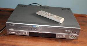 Samsung DVD Plus VCR Model DVD-V2000 With Dolby Digital Sound, Includes Remote