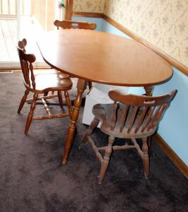 Kitchen Table With Leaf And 3 Matching Chairs, Table And Leaf Measures 29in x 54in x 42in
