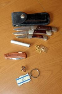 Folding Pocket Knives Assortment Including Buck 501D, 503T, And 505, Sharp 300 In Leather Case, And More