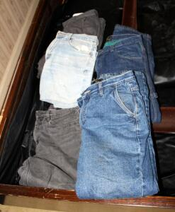 Mens Lined Jeans Including Eddie Bauer And Redhead Qty 3, Appear To Be Size 31x30, And Shorts Qty 2