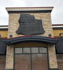 Lighted Ruby Tuesday Retail Sign, Bidder Responsible For Proper Disconnection And Removal, Hard Wired In, Electrical Wires Must Be Capped