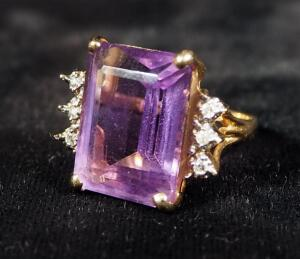 14K Gold Ring, Size 4-3/4, With Violet Colored Stone, 6.2 g Total Weight Including Stone