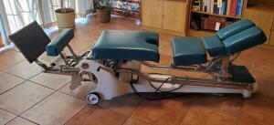 Vintage Zenith Co Hi-Lo Chiropractic Table, Serial Number 40410, Powers On, Bidder Responsible For Proper Removal