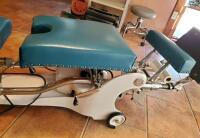 Vintage Zenith Co Hi-Lo Chiropractic Table, Serial Number 40410, Powers On, Bidder Responsible For Proper Removal - 10
