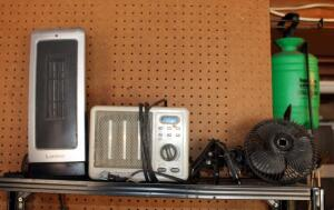 Lasko Electric Oscillating Space Heater, Ceramic Safety Furnace, And Clip On Desk Fan, Contents Of Shelf