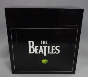 The Beatles Remastered Stereo Vinyl 16 LP 14 Album 180-gram Box Set, w 252pg Coffee Table Book, NEW