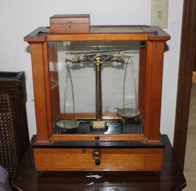 1930's Vintage Christian Becker Chainomatic Analytical Balance Scale No. 15 In Wood Case And Stainless Steel Weights Set In Wood Case