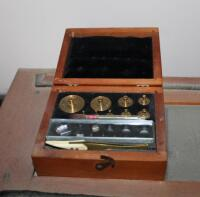 1930's Vintage Christian Becker Chainomatic Analytical Balance Scale No. 15 In Wood Case And Stainless Steel Weights Set In Wood Case - 2