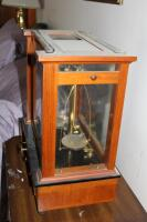 1930's Vintage Christian Becker Chainomatic Analytical Balance Scale No. 15 In Wood Case And Stainless Steel Weights Set In Wood Case - 4