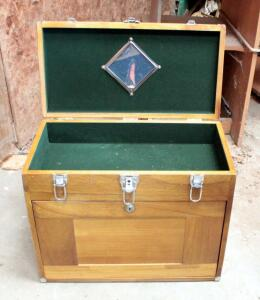 Solid Wood Felt Lined Carpenters Chest, 16in x 20in x 10in, Locked, No Key