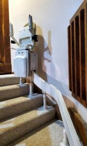 Acorn Curve 180 Stair Lift And 7-Step Chair Lift, Both Need Repair, Bidder Responsible For Proper Dismantling And Removal