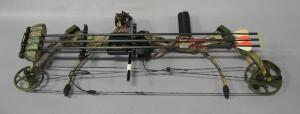 Bear Strike Compound Bow, With Limb Saver Quiver And 3 Allen Eliminator Carbon Arrows
