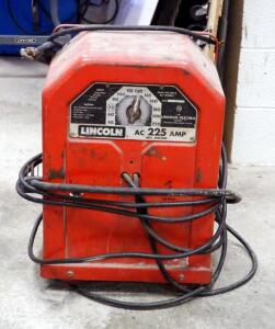Lincoln Electric AC Arc Welder, Model 225-S