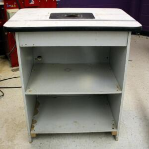 "Router Table, 35.5"" x 32"" x 24"""