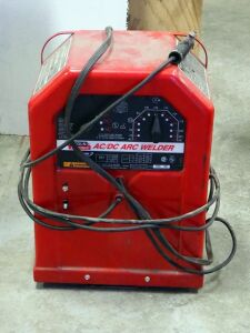 Lincoln Electric AC/DC Arc Welder, Model 225/125
