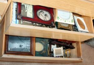Small And Medium Sized Picture Frames, Large Qty, Various Styles, Contents Of 2 Drawers
