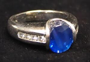 14K White Gold Ring With Clear And Blue Stones, Size 6, Approx 9.6 g Total Weight