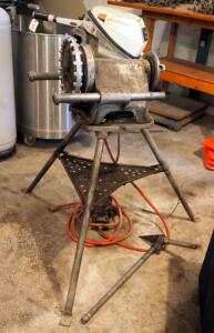 Ridgid Electric Pipe Threader, Model 300, Includes Reamer And Foot Pedal Controls