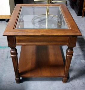 "End Table With Glass Inserts. 21"" H x 21"" x 26"""