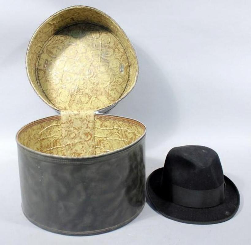 d6afb76dc Bee Hats Custom Made Beaver Blend Fedora, Size 71/8 in Zippered Hatbox
