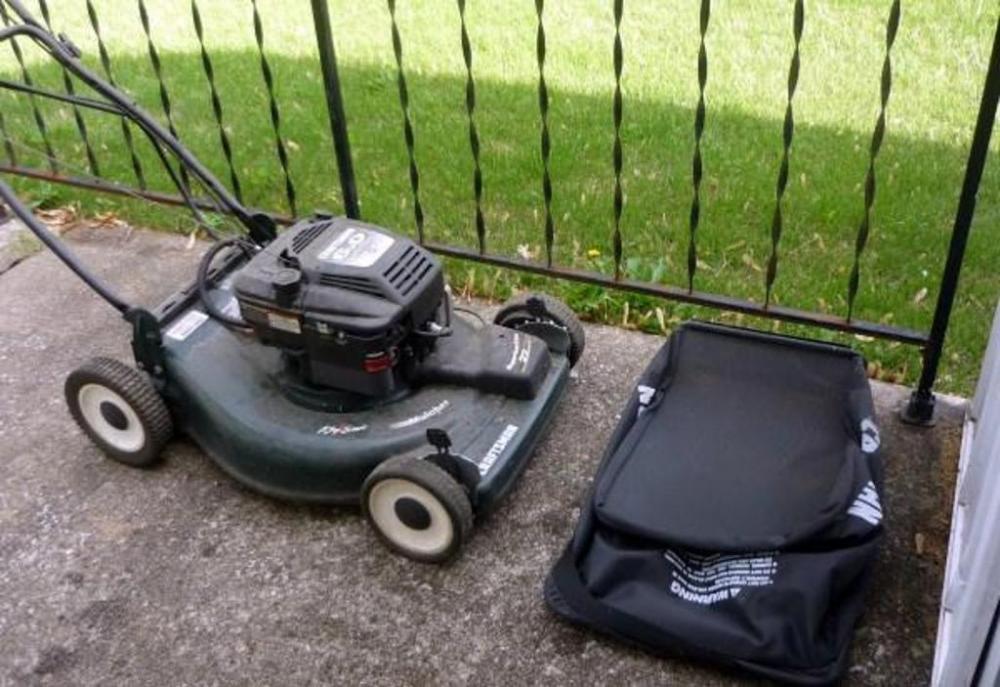 Craftsman Key Start Mulching Lawnmower with Briggs & Stratton Motor