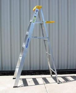 Werner 6' type 2 Medium Duty / Commercial Aluminum Step Ladder