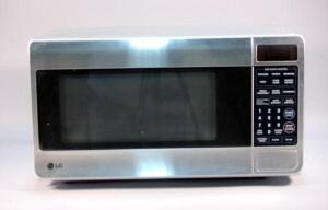 LG Microwave with Turntable, Model #LMA1180ST