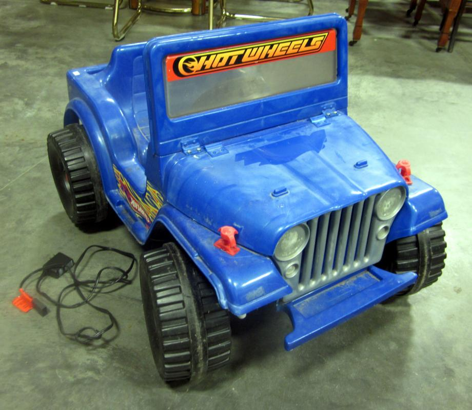 Lot 159 Of 157 Hot Wheels Fisher Price Battery Ed Jeep With Charger Rox 38 L And 25 W