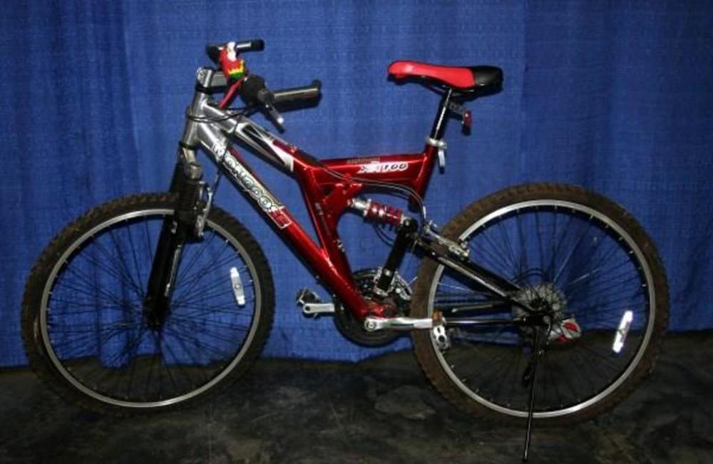 Mongoose 21 Speed Aluminum Alloy Xr100 Mountain Bicycle Alloy Lined