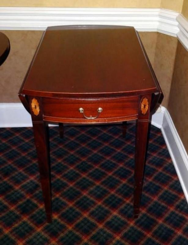 Lot 131 of 538 Hickory Chair Company Historical James River Plantations Drop Leaf Side Table with Drawer Drop Leaf Open 28  x 34 5/8  Drop Leaf Down 28  ... & Hickory Chair Company Historical James River Plantations Drop Leaf ...