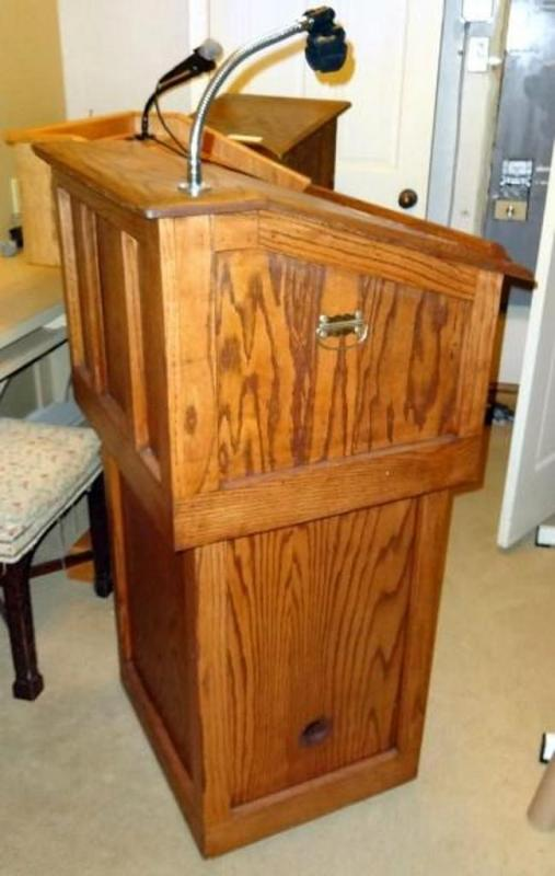 rolling wood podium detachable for table top use with locking